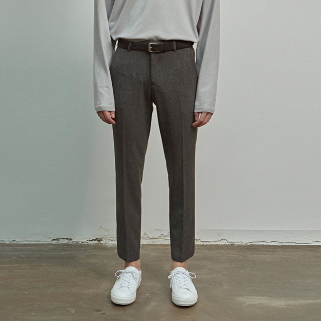 [에이글로우] SLIM FIT CROPPED SLACKS_CHARCOAL