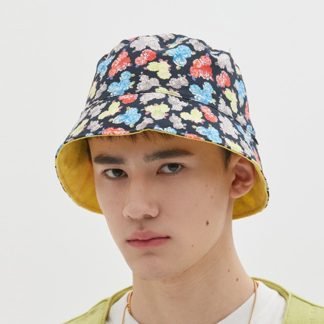 [위캔더스] REVERSIBLE FLORAL BUCKET HAT (BLACK)